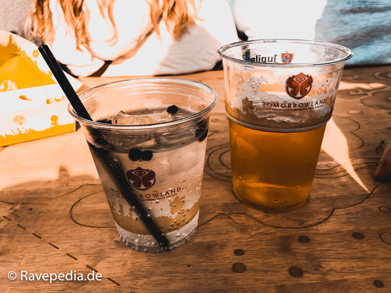 Getränke, Getränke Tomorrowland 2017, Bier, Wasser, Kosten, Tomorrowland Guide, Tomorrowland Guide 2018, Tomorrowland 2018, Tomorrowland Infos, Tomorrowland Tipps, Tomorrowland Tricks, Dreamville Tipps, Dreamville Tricks, Dreamville Info, Dreamville Guide,